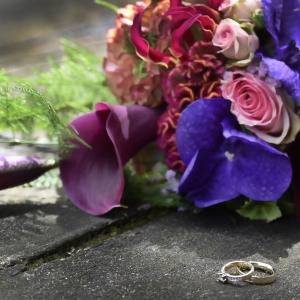 Ringen en bruidsboeket_reportages-Fred de Krom Fotografie en Beeldbewerking-Eindhoven-Veldhoven-Geldrop-Valkenswaard-Waalre