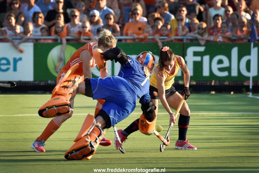 sportfotografie teamfotografie hockey dames Fred de Krom Fotografie en Beeldbewerking Eindhoven Veldhoven Geldrop Valkenswaard Waalre
