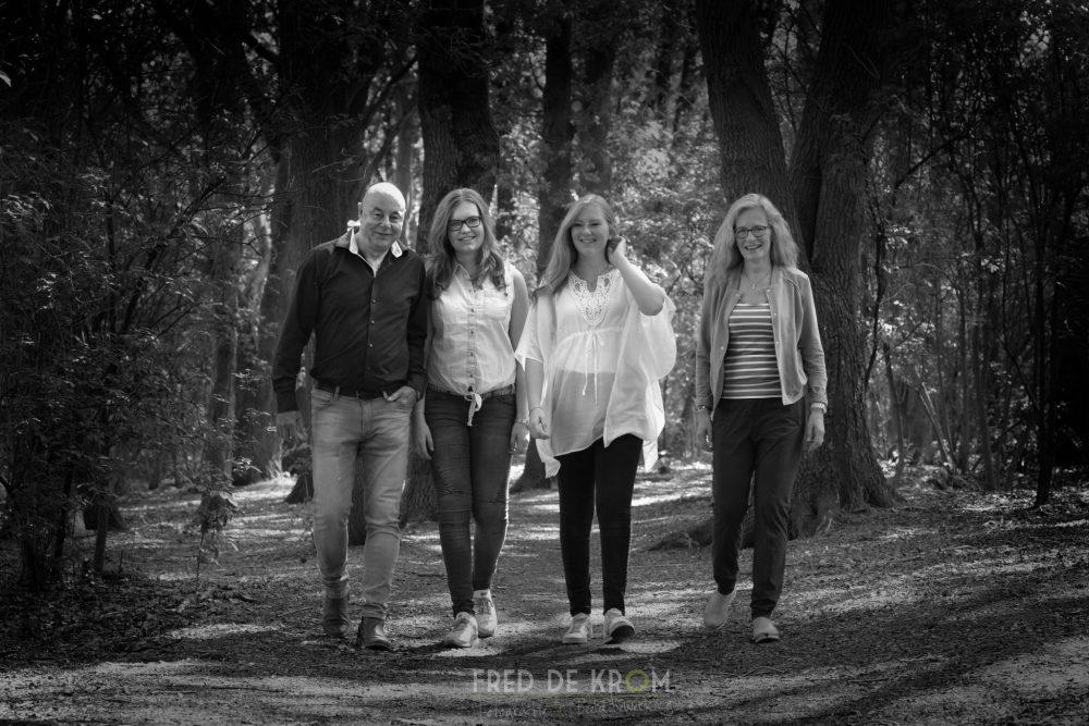 Familiefotografie familiefotograaf familiefoto zwart wit fotoreportage Fred de Krom Fotografie & Beeldbewerking Best Eindhoven Veldhoven Valkenswaard Leende Heeze Helmond Eersel