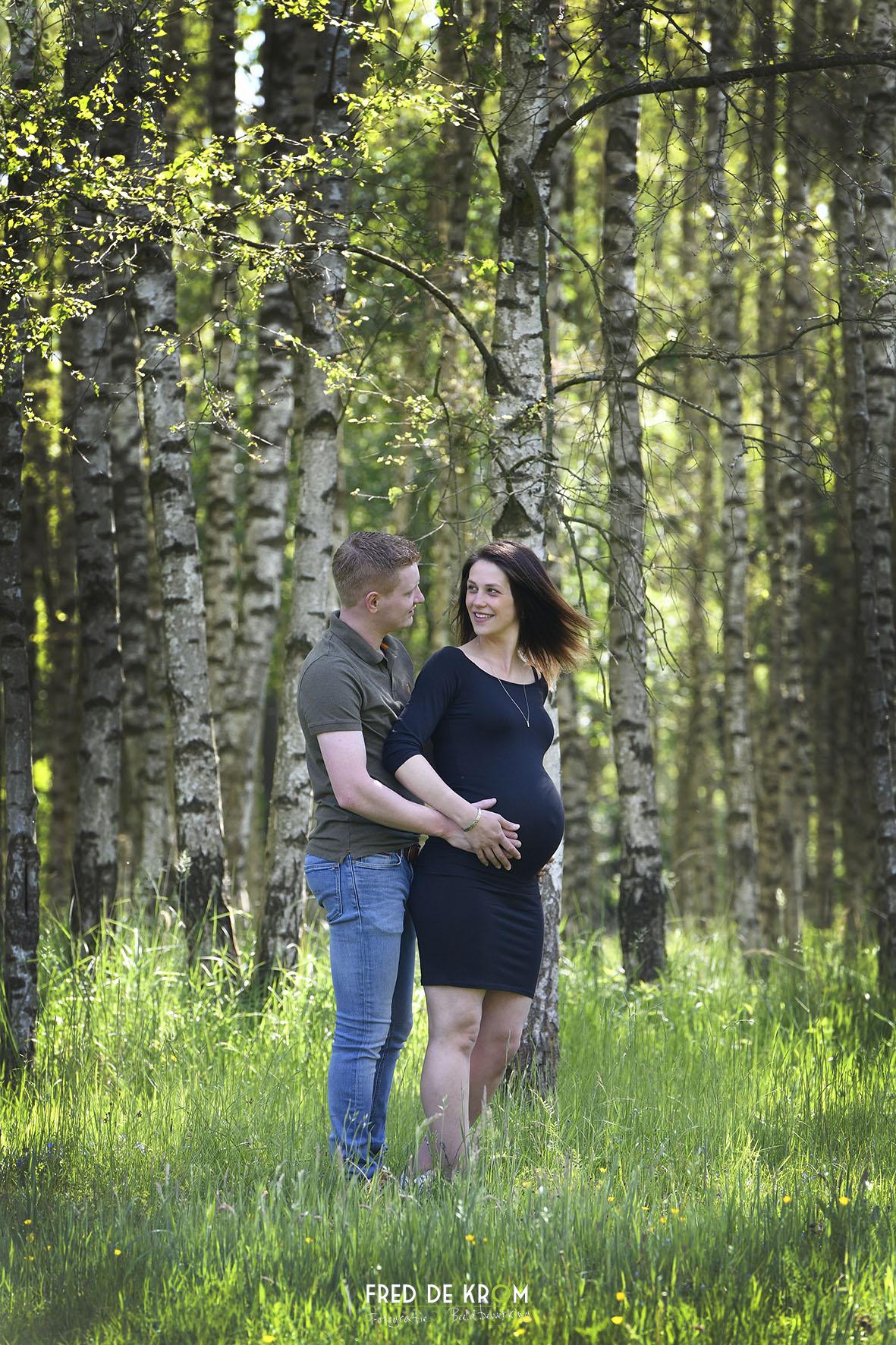 zwangerschaps-fotoshoots_blijde-verwachtings-fotoshoots_bolle-buiken-fotoreportages_9_fred-de-krom-fotografie